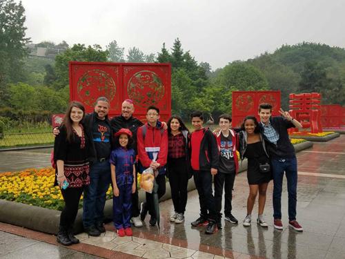 NYJA-China-2016-500px-groupatzoo